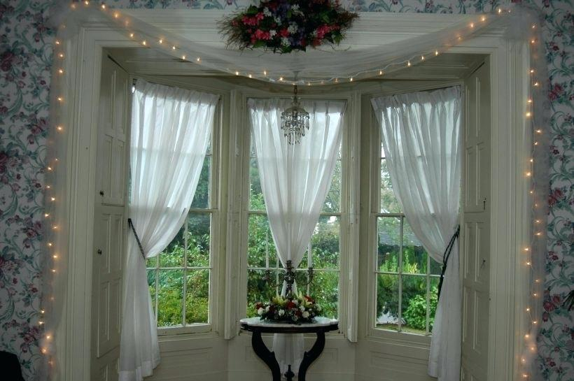 bay window valance ideas download this picture here bay window curtain ideas pinterest